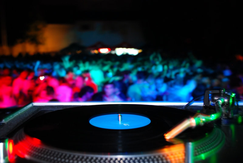 Silent Disco: Enjoy Every Party on Your Own Terms